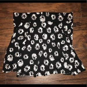 H&M Black and White Flowers Mini Skirt Size M